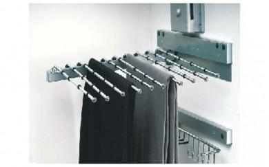 Изтеглящ механизъм за панталони